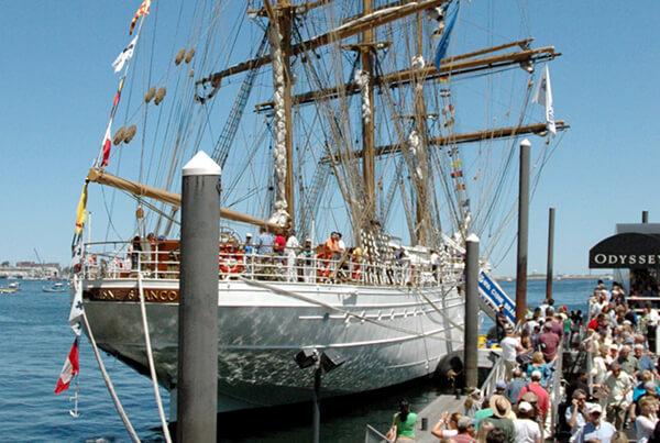 Maritime Brazilian ship w/crowds